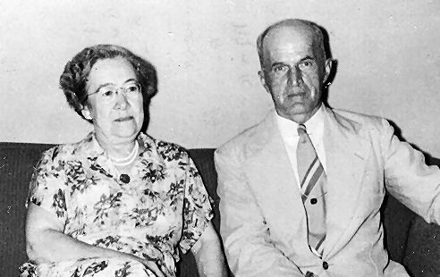 Bob & Mayme 1952 croped